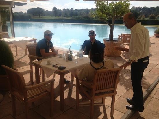 Cosmopolitan Golf Club Restaurant: nydelig lunsj