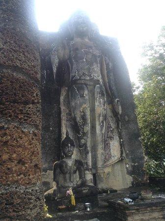 Wat Saphan Hin : Standing Buddha