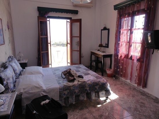 Koronios Villa : Our cute room. Number 4