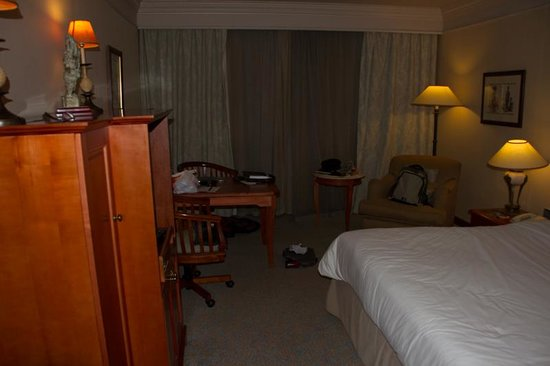 Sheraton Pretoria Hotel: Photo of our room facing the window