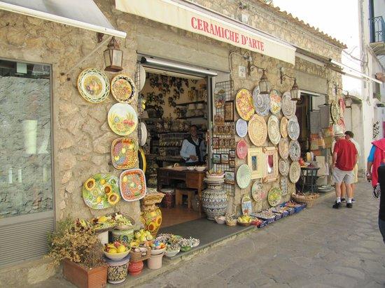 Ceramiche d'Arte Carmela: Ceramic Shop Ravello