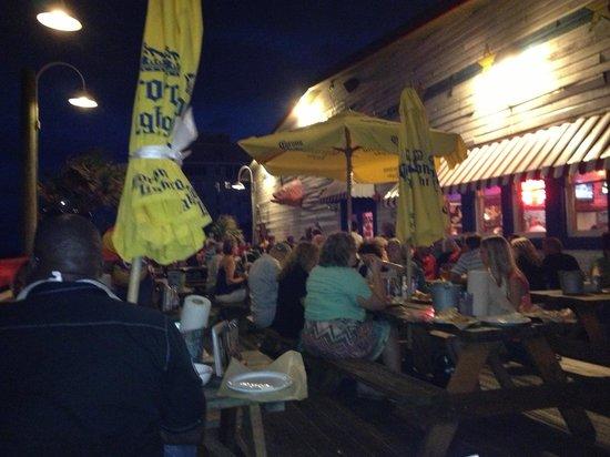Joe's Crab Shack: The outside deck area