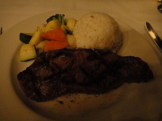 Hy's Steak House - Waikiki: ニューヨークステーキ9オンス