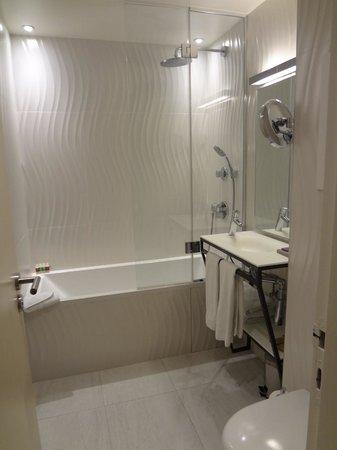 Hotel Eden : Bathroom