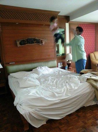Royal Ivory Sukhumvit Nana By Compass Hospitality: Room