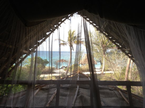 Chumbe Island Coral Park : View of the ocean from the bedroom