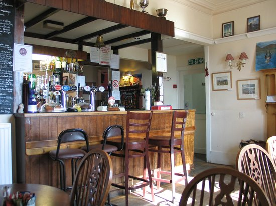 The Colintraive Hotel : The Bar at a very quiet Time - a few moments later the place was Full