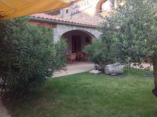 Hotel La Garenne: chambre individuelle avec terrasse