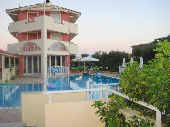 Zante Pantheon Hotel: бассейн