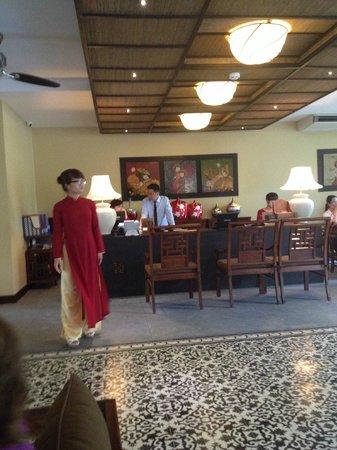 Essence Hoi An Hotel & SPA: Холл