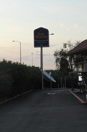 Best Western Airport Inn: ingang