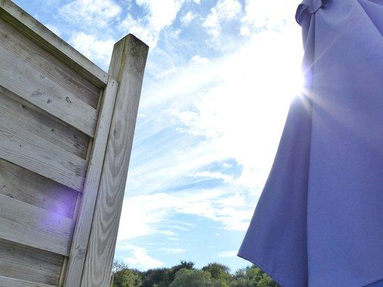 Résidence Odalys Horizon Morgat : Alle terassen zijn voorzien van parasol en tuinmeubels
