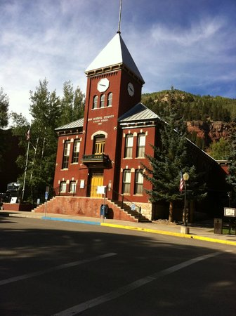 Bear Creek Lodge: Telluride Downtown Church