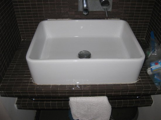 Relais Rome Sweet Relais Fori Imperiali: bathroom sink room 3- brown tile no disguise