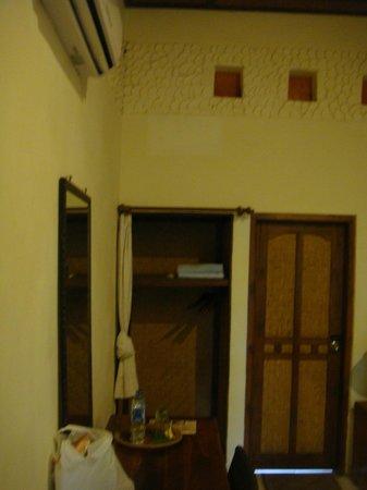 1000 Dream Bungalow - Lovina: chambre