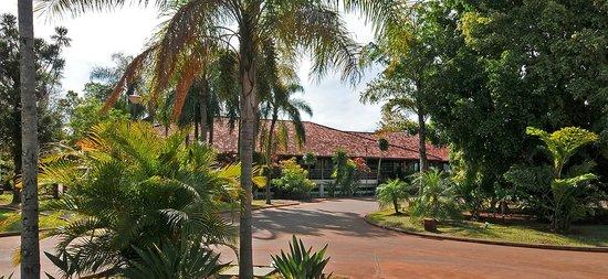 Raices Esturion Hotel: ENTRADA HOTEL - VISTA DIURNA