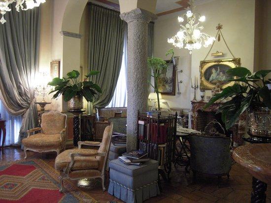 Petit Palais Hotel de Charme: hall 1