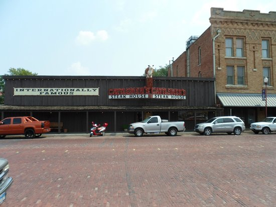 Cattlemen's Fort Worth Steak House: Meat to please you !!!