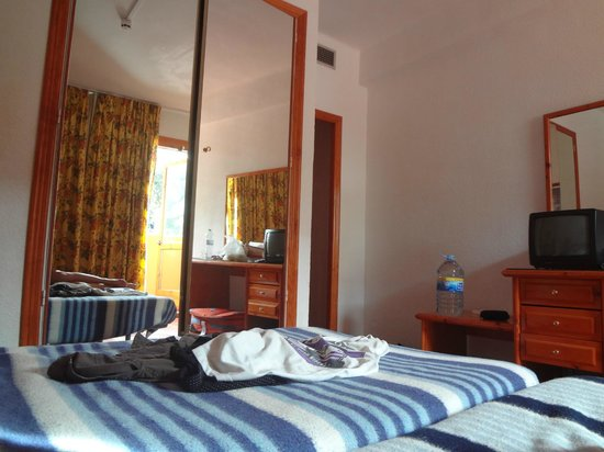 Santa Cristina Hotel: Номер 216. Переселили ура!