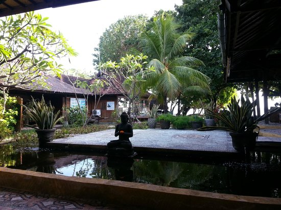 Pondok Sari Beach Bungalow Resort & Spa : vue du restaurant
