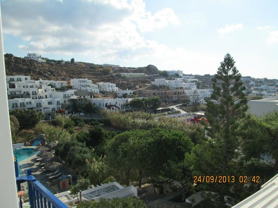 Hotel Kamari: Typical Greek view of all the white white homes and hotels