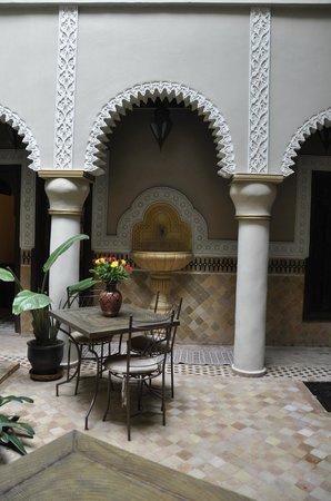 RIAD ELYTIS : Courtyard