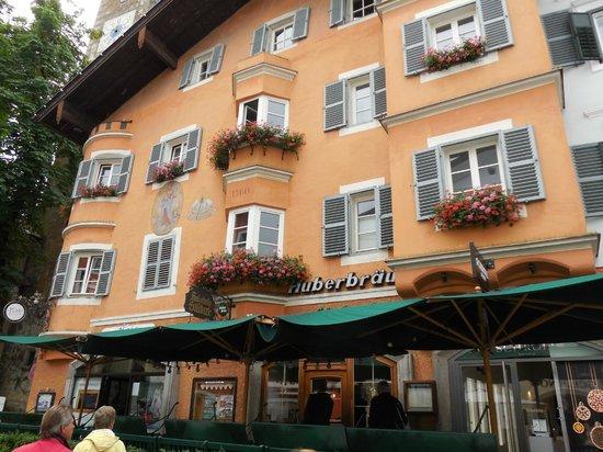 Huberbrau Stuberl: traditional Austrian architecture