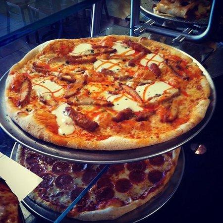 Tony's Pizza: Buffalo chicken pie