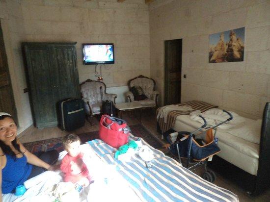 Kayatas Hotel: Vista de la habitación