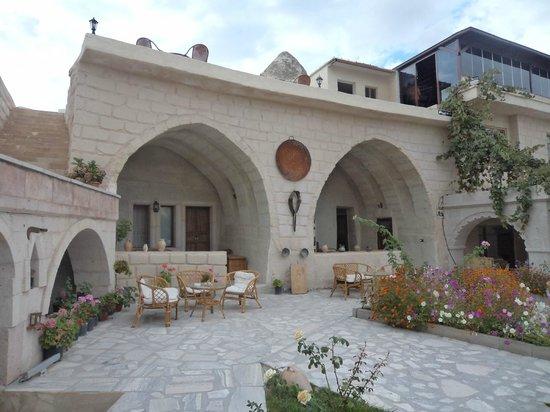 Kayatas Hotel: Vista exterior