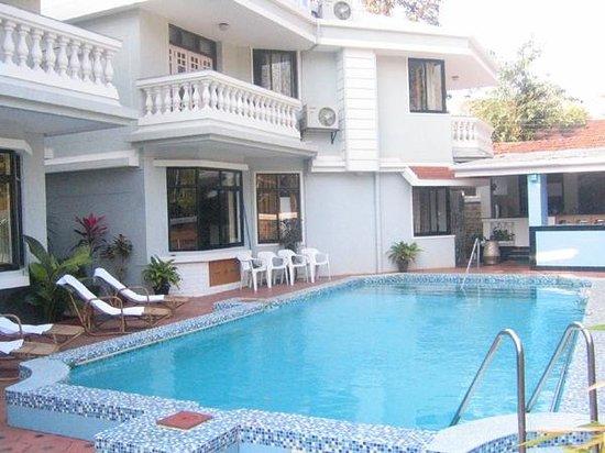 Willows Elite Resort : Swimming Pool