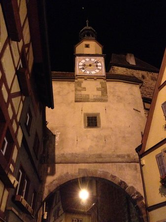 Rodertor: Rothenberg ob der Tauber at night