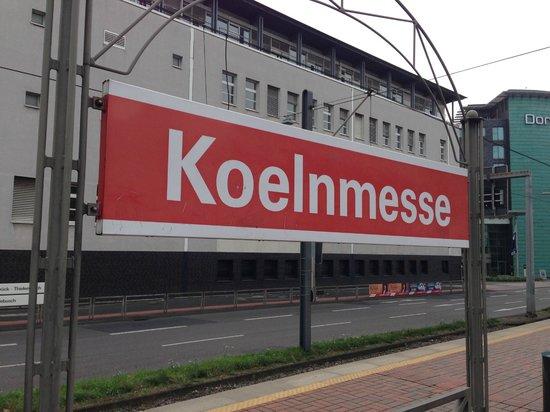 Ibis Koeln Messe : Koelnmesse - the station near the hotel