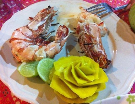 E-San Seafood : grilled tiger prawns