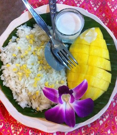 E-San Seafood: mango with sticky rice