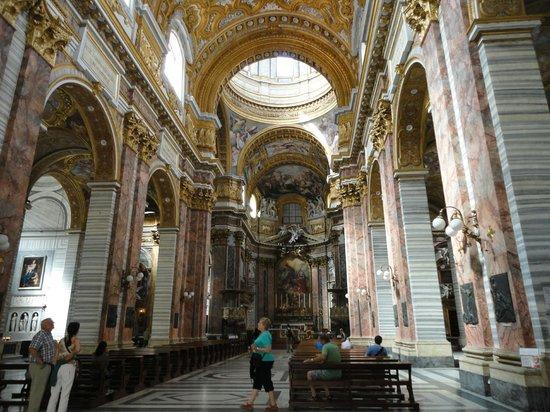Basilica dei SS. Ambrogio e Carlo al Corso : hall