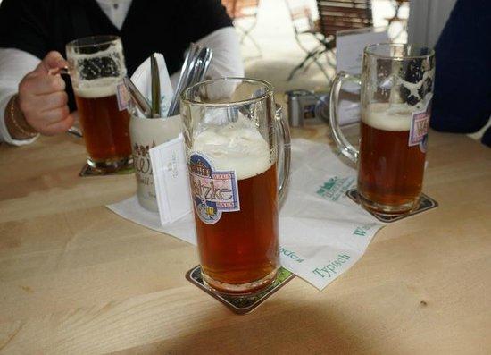 Watzke Brauereiausschank am Goldenen Reiter: Пиво Watzke Altpieschner