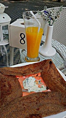 Salmon Crepanini pancake