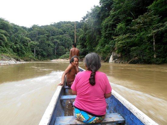 Embera Tours Panama : en pirogue avec Yvan