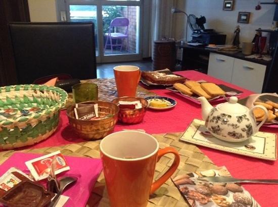 A Porta San Vitale B&B: colazione molto carina e curata, vari tipi di bevande, cibarie ecc