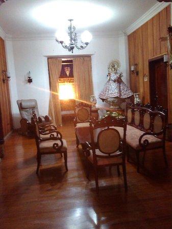 My Vigan Home Hotel: receiving area