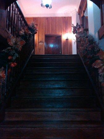 My Vigan Home Hotel: Stairway