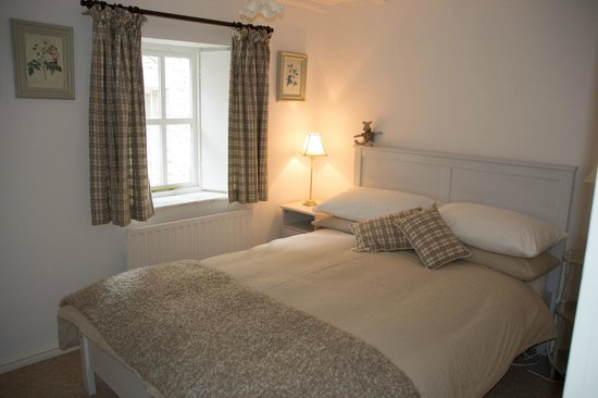 The Crofter's House and Barn: One of the guest bedrooms in the barn