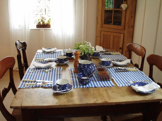 The Crofter's House and Barn: Breakfast room
