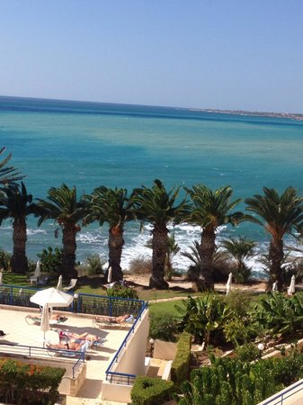 Queen's Bay Hotel: The wonderful sea view