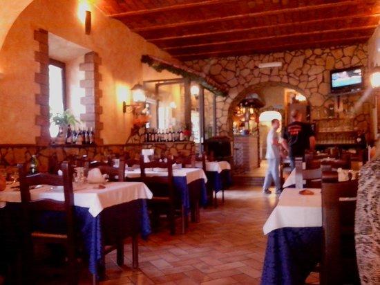 La Cantinaccia: Dining room