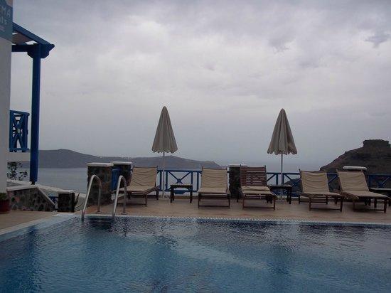 Agnadema Apartments: Swimming pool area