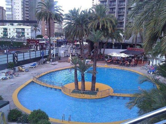 Hotel Marina Resort Benidorm : Pool Area