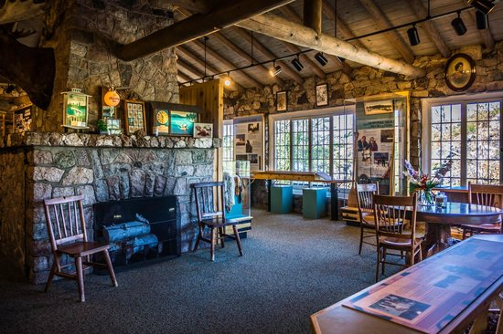 Chik-Wauk Museum and Nature Center : exhibits