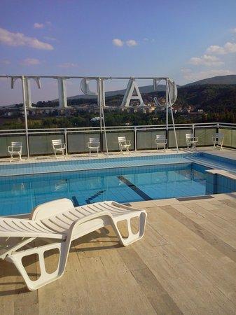 Grand Hotel Capitol: piscina